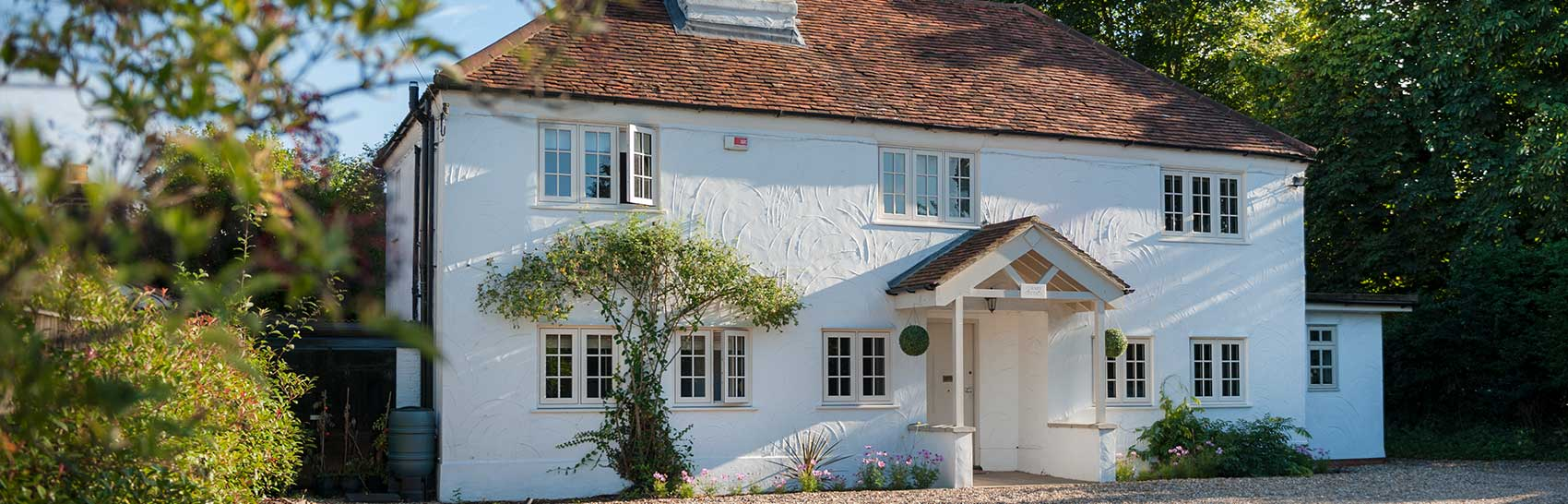 An installation with flush sash windows for entire house